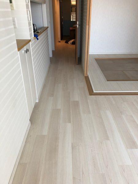 江東区東雲マンションの床工事させていただきました。