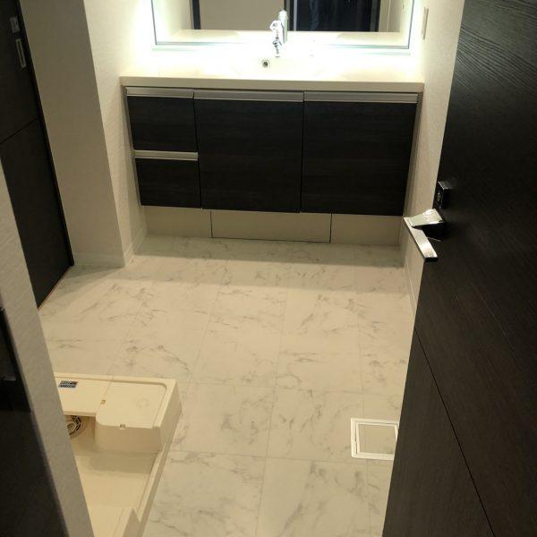 墨田区のマンションの食洗器交換、クロスと床工事をさせていただきました。