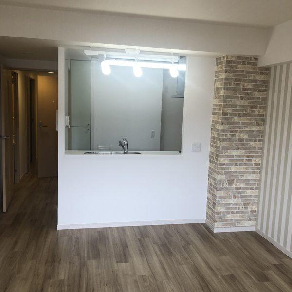 千葉市中央区のマンションンでクロス・レイフロア工事をさせていただきました。